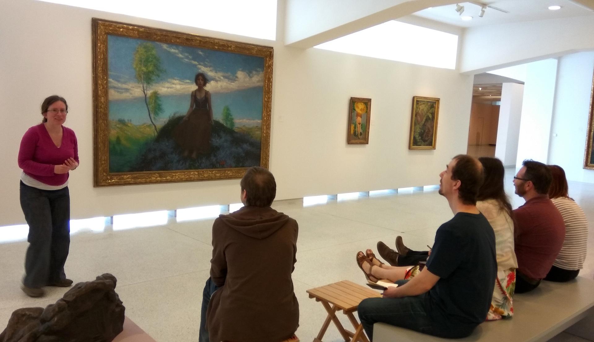 Na výstavách se znalkyní umění